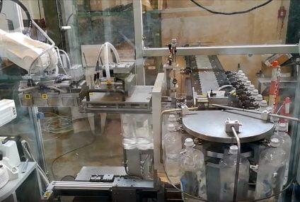 Movimentazione di flaconi: tecnologia dei motori lineari nell'imballaggio